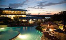 lakeway-resort-and-spa-austin-pool-at-night
